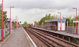 Hampton Wick station 2 geograph-3597866-by-Ben-Brooksbank.jpg