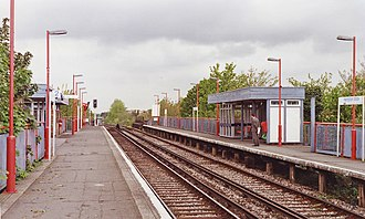 Hampton Wick railway station - Image: Hampton Wick station 2 geograph 3597866 by Ben Brooksbank