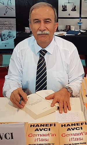 Hanefi Avcı - Image: Hanefi Avci at Kocaeli Book Exhibition, May 2016