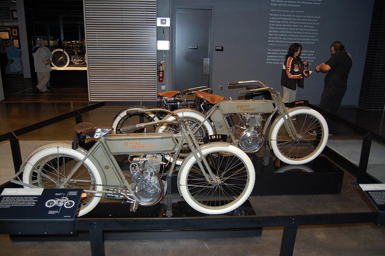 Harley Davidson Et L Homme Aux Santiags Ddl