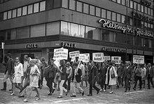 Manifestación en Helsinki contra la entrada de tropas del pacto de Varsovia en Checoslovaquia