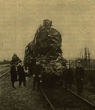 Herceghalom rail crash - Damaged steam locomotive for the first part of express train No 3