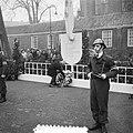 Herdenking februari-staking Amsterdam (Krans burgemeester, Bestanddeelnr 904-9838.jpg