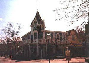 Heritage Square (Golden, Colorado) - Image: Heritagesquaregenera lstore