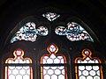 Hirschbach Pfarrkirche - Buntglasfenster 1a.jpg