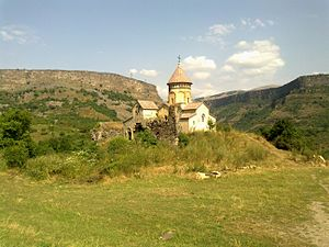 Hnevank - Image: Hnevank Monastery 2011