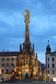 Holy Trinity Column in Olomouc blue hour 2015-08.jpg