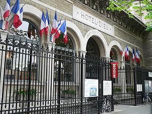 Hôtel-Dieu de Paris - Main entrance of the Hôtel-Dieu, in 2007
