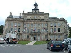 250px-Hotel_de_ville_Alencon.jpg