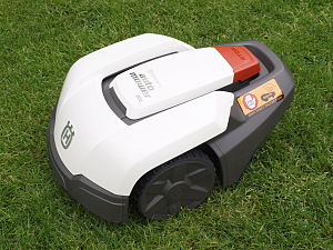 Robotic lawn mower - Image: Husqvarna Automower 305