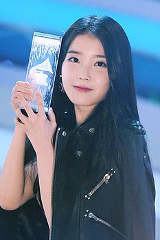 IU ai Melon Music Awards, 13 novembre 2014.
