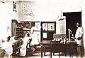 Im Postdienstzimmer Pangani 1912.jpg