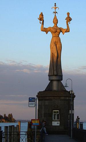 Imperia (statue) - The statue