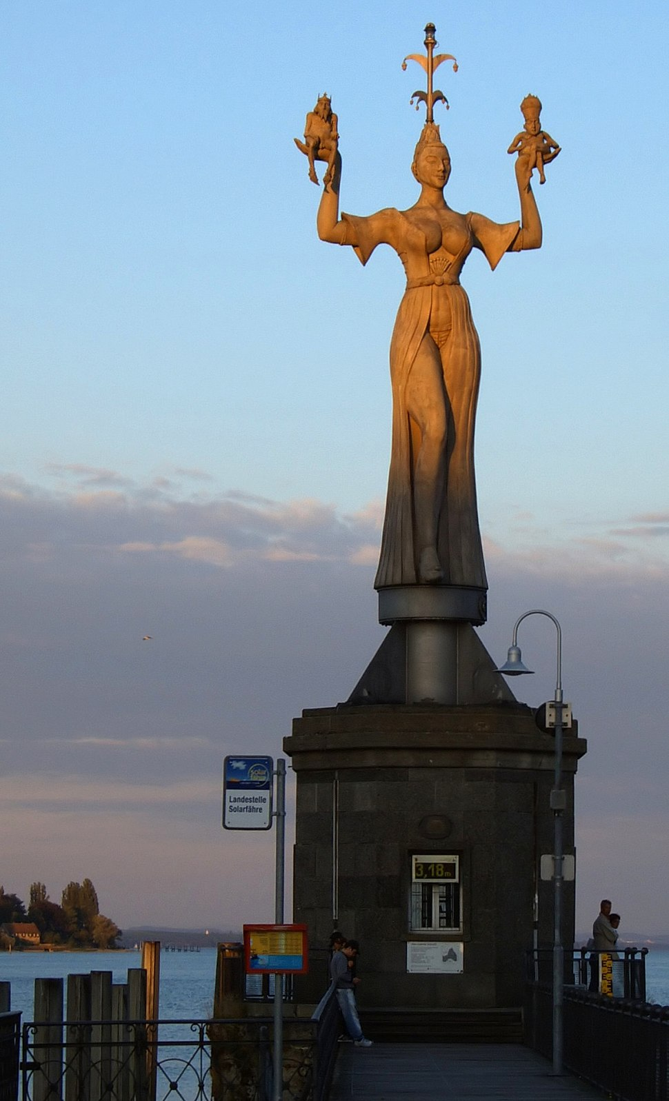 Imperia(Statue) Konstanz Abend