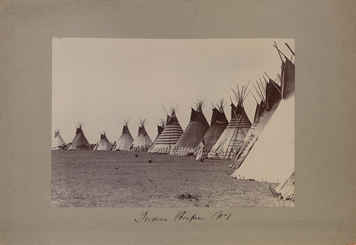 Indian teepees No 1 (HS85-10-23387)