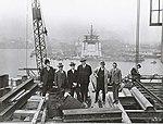 Inspecting the construction of the Sydney Harbour Bridge (3082922669).jpg