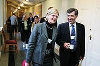 Jan-Erik Enestam, Finlands miljo- och samarbetsminister, pa vag in till mote.jpg