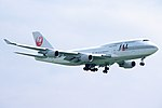 Japan Airlines Boeing 747-446 (JA8077-24784-798) (13643067035).jpg
