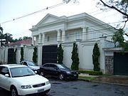 Exemplo de mansão do bairro.