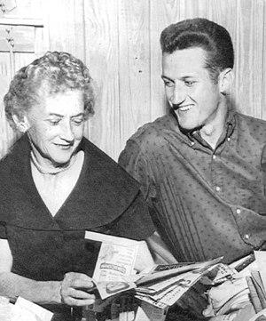 Jay Arnette - Arnette with mother in 1960