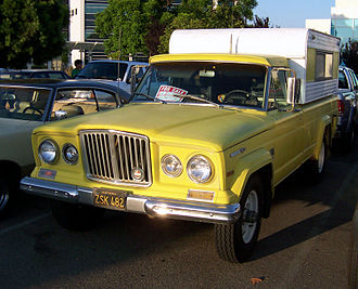 Jeep Gladiator - Jeep Gladiator with a camper shell