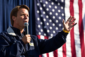 John Edwards - John Edwards campaigning in Pittsburgh, Pennsylvania on Labor Day in 2007