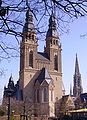 Josephskirche Speyer mit Gedaechtniskirche.jpg