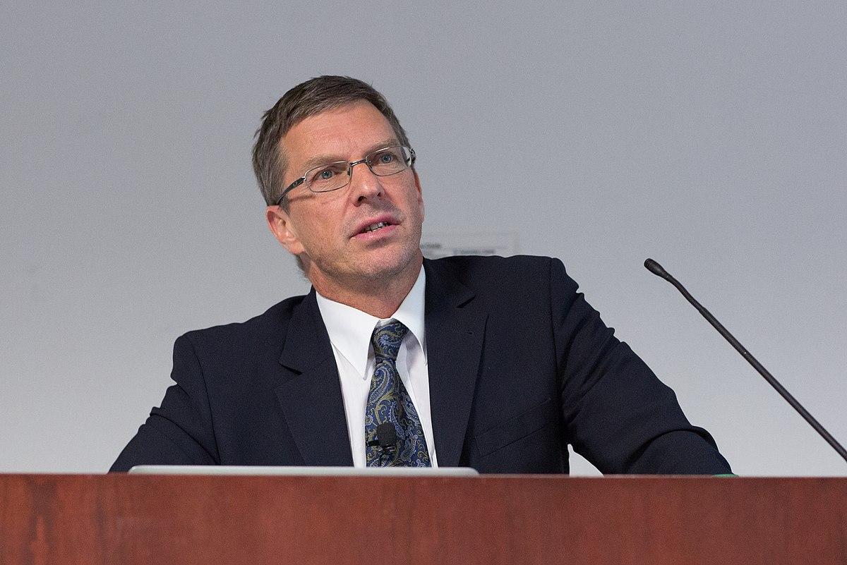 Julian Savulescu - Wikipedia