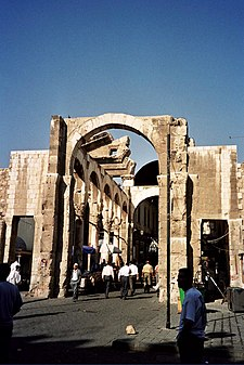 https://upload.wikimedia.org/wikipedia/commons/thumb/0/01/Jupiter_Temple_Damascus.jpg/225px-Jupiter_Temple_Damascus.jpg