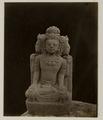 KITLV 28247 - Isidore van Kinsbergen - Sculpture of a three-headed figure with the residency in Kediri - 1866-12-1867-01.tif