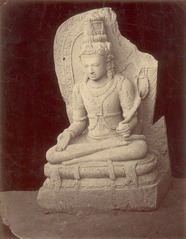 KITLV 87805 - Isidore van Kinsbergen - Buddha sculpture comes from Yogyakarta, moved to Magelang - Before 1900.tif