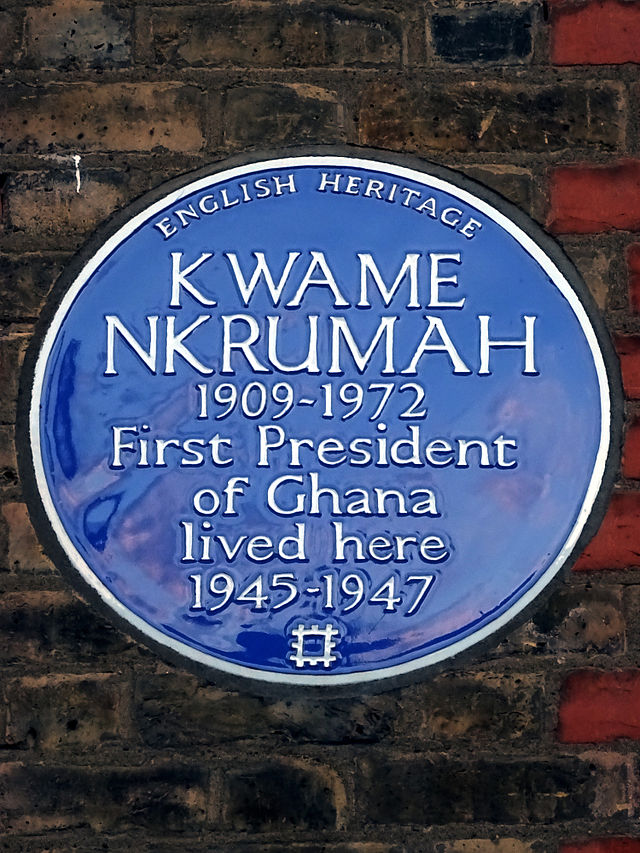 Kwame Nkrumah blue plaque - Kwame Nkrumah 1909-1972 first President of Ghana lived here 1945-1947