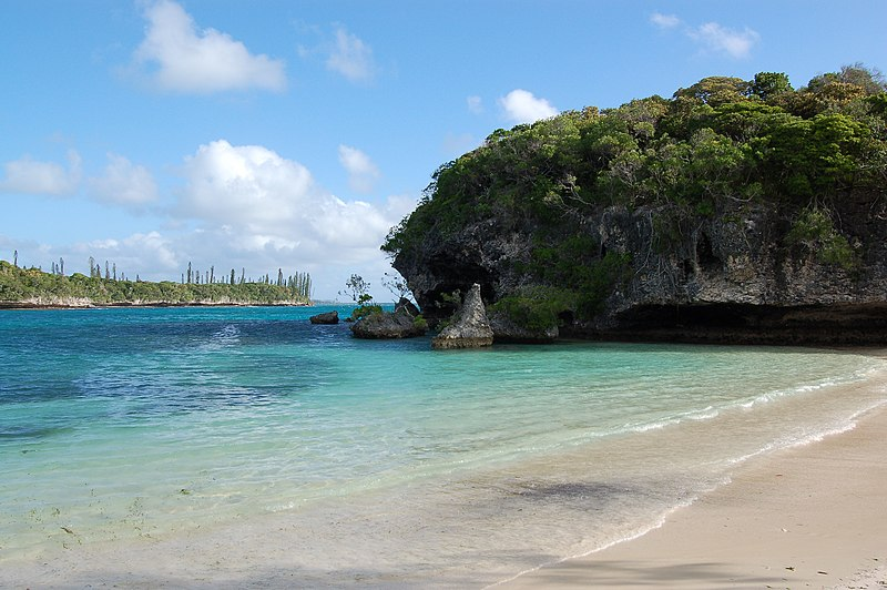 File:Kanumera Bay, Isle of Pines, New Caledonia, 2007 (2).JPG