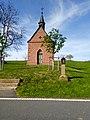 Kapelle und Bildstock Monbrunn.jpg