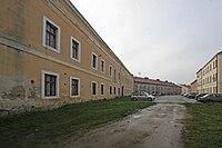 Kasárna jednoduchá Okružní 221, Jaroměř-Josefov (01).JPG