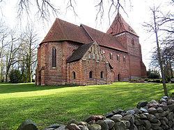 Kirche in Lübow.jpg