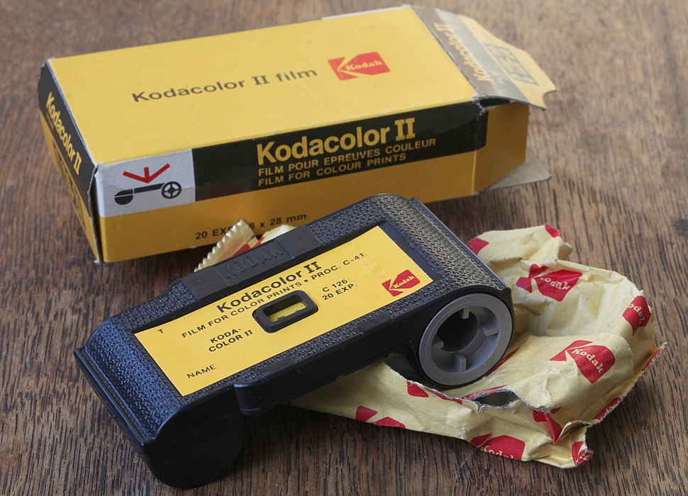 Kodacolor II film C 126-20 126 film cartridge (1)