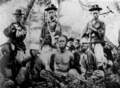 Korean soldiers and Chinese captives in First Sino-Japanese War.png