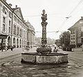 Kornhausplatz, előtérben a Kindlifresserbrunnen. Fortepan 92306.jpg