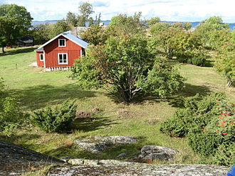 Archipelago Sea - The minor inhabited island groups could sustain only one or a few families and only with fish as main income. Kråkskär was inhabited until 1956.