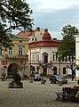 Krosno, náměstí, rohový dům.jpg