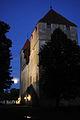 Kuressaare linnus õhtuses kuuvalguses.jpg