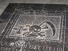 Lápida en la Mezquita de Córdoba (España).jpg