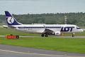 LOT, SP-LID, Embraer ERJ-175LR (16455443332).jpg