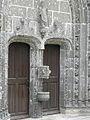 La Roche-Maurice (29) Église Porche sud 02.JPG