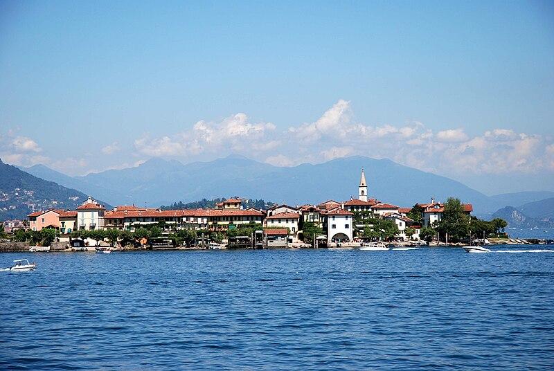 File:Lago-Maggiore 1359.JPG