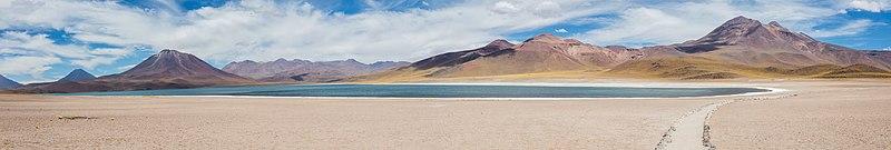 File:Laguna Miscanti, Chile, 2016-02-08, DD 25-30 PAN.JPG