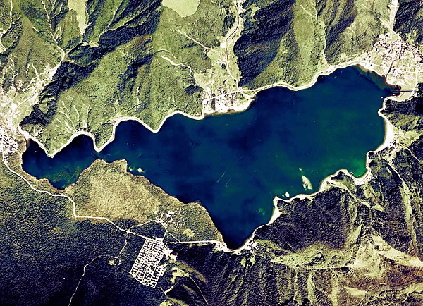 http://upload.wikimedia.org/wikipedia/commons/thumb/0/01/Lake_Sai_Aerial_photograph.jpg/600px-Lake_Sai_Aerial_photograph.jpg