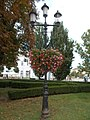 Lamp post with flowers, Kossuth Square, 2017 Nyíregyháza.jpg