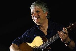 Laurence Juber - Juber performing in 2009